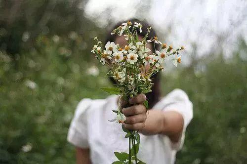 花是浇死的,人是气死的!